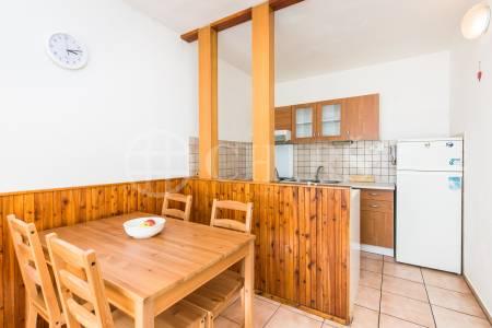 Pronájem bytu 3+1 s lodžií, OV, 70 m2, ul. Tobrucká 710/19, Praha 6 – Vokovice