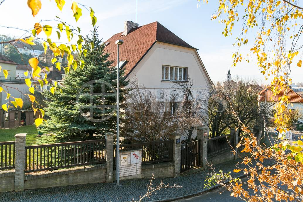 Prodej rodinného domu 5+1, OV, 339m2, ul. Sestupná 184/17, Praha 6 - Liboc