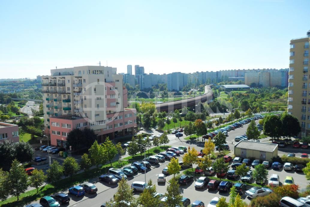 Prodej bytu 2+kk, OV, 49m2, ul. Volutová 2517/4, Praha 13 - Hůrka