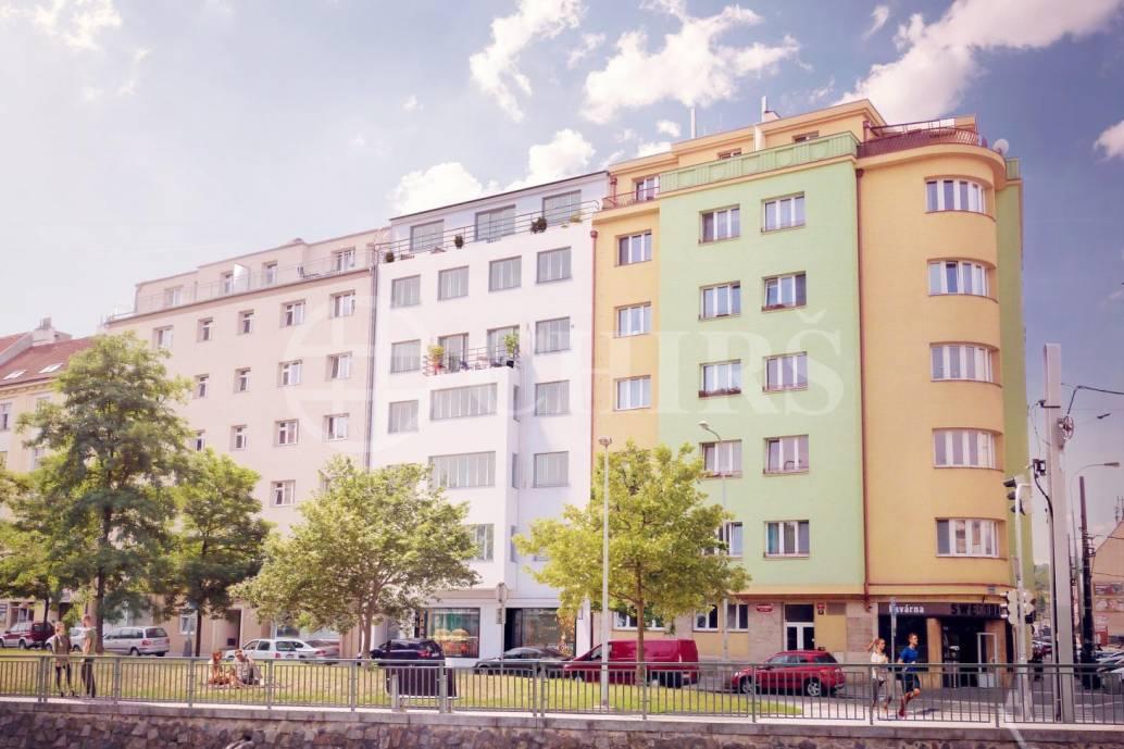 Prodej obchodního prostoru, OV, 32m2, náměstí Dr.