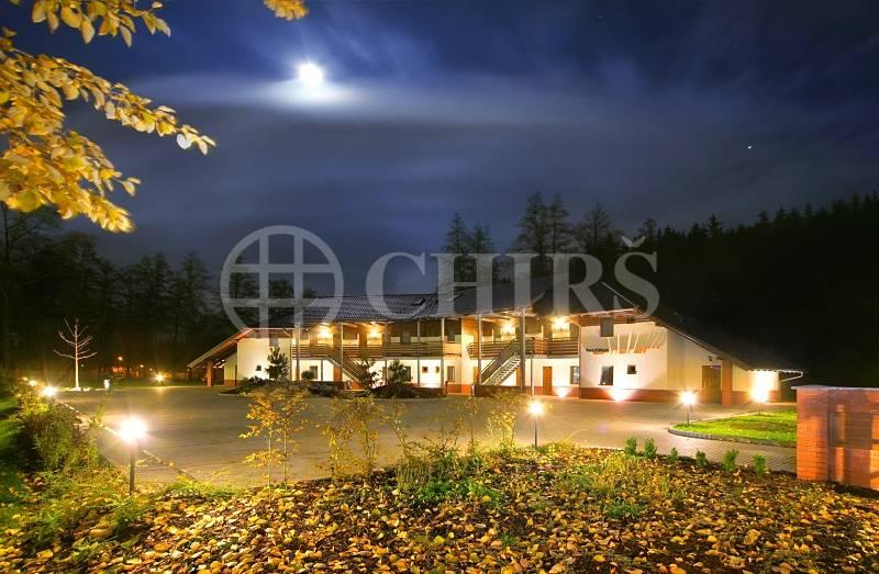 Prodej *** hotelu, 50 lůžek, restaurace, sportovní centrum, parking, Hostinné (Podkrkonoší)