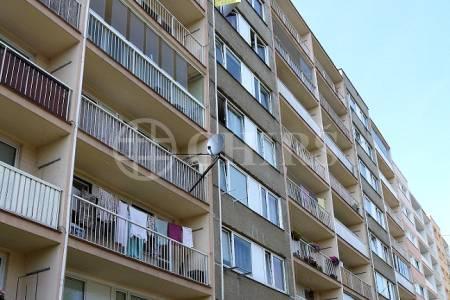 Prodej bytu 2+kk, DV s možností převodu do OV, 43m2, ul. Hostinského 1538/3, Praha 13