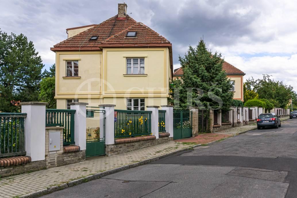 Prodej řadového domu, Na Klínku 8, Praha 6 -