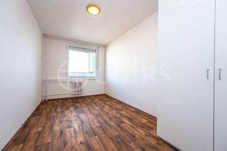 Prodej bytu 2+kk s lodžií, OV, 46m2, ul. V hůrkách 2144/3, Praha - 5 Stodůlky