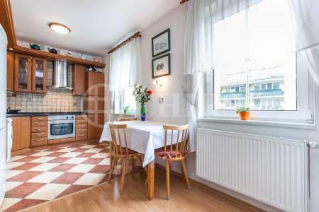 Prodej bytu 4+kk, OV, 110m2, ul. Voskovcova 1075/43, Praha 5 - Hlubočepy