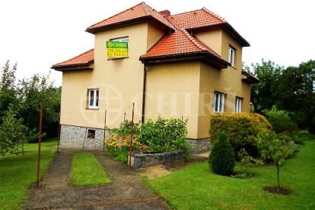 Prodej RD 4+1, OV, 820m2 (95m2 zast. plocha), ul. Výzkumníků 253, Praha 5