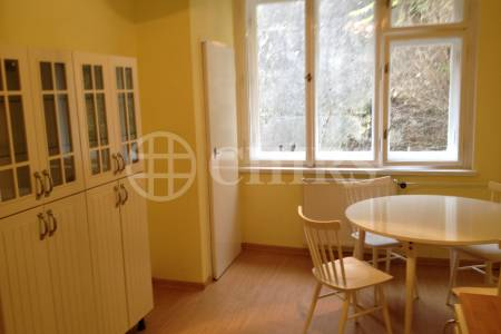 Pronájem bytu 2+kk, OV, 60m2, ul. Ve Střešovičkách 1468/66, Praha 6 - Břevnov