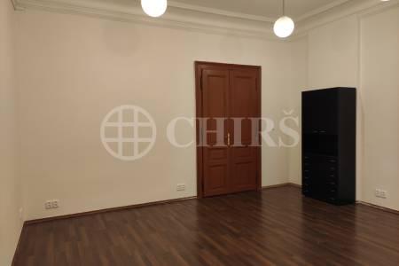 Pronájem kanceláře, 28 m2, Týnská 19, Praha 1.