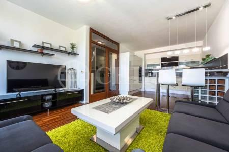 Prodej bytu 3+kk s balkonem, OV, 80m2, ul. Jeremiášova 2722/2b, Praha 5 - Stodůlky