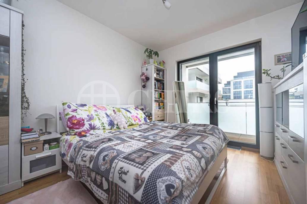 Pronájem bytu 1+kk s balkonem, OV, 38m2, ul. Kloudova 989/6, Praha 5 - Jinonice