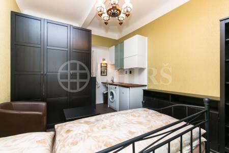 Pronájem bytu 1+kk, OV, 16m2, ul. Zelená 943/7, Praha 6 - Bubeneč