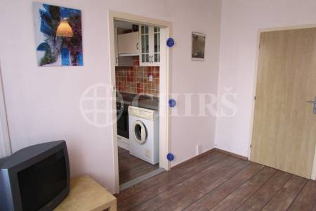 Prodej bytu 1+1/G, OV, 32m2, ul. Geologická 992/3, Praha 5 – Barrandov