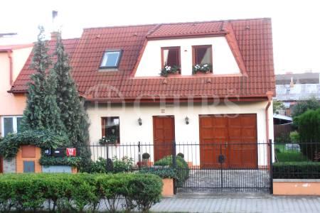 Prodej RD 4+1, OV, 200m, ul. Armády 178/55, Praha 5 - Stodůlky
