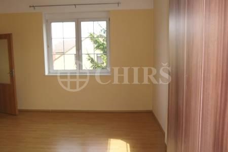 Prodej  3-podlažního domu, OV, 278m2, ul. Hermanická 163/7, P-9 Horní Počernice