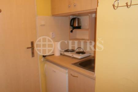Pronájem bytu 1+kk, OV, 27m2, ul. Kolbenova 805/32, P-9 Vysočany