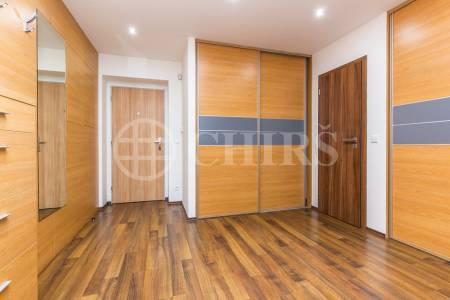 Prodej rodinného domu 4+1, OV, 180m2, ul. Lomená 267, Zbuzany, Praha - západ