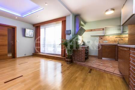Prodej bytu 4+kk s terasou a 3x garáží, OV, 124m2, ul. Klausova 2551/13, Praha 13 - Stodůlky