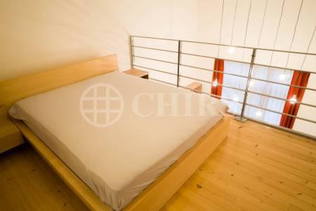 Pronájem mezonetového bytu 2+kk/T, GS, 38 m2, Novákových, Praha 8 - Libeň