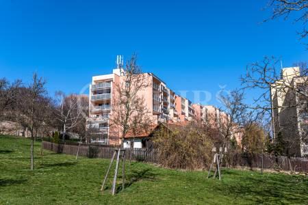 Prodej bytu 3+1/T, DV, 84m2, ul. Sartoriova 61/10, P-6 Břevnov