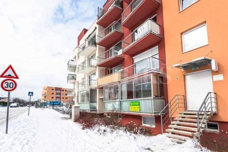 Prodej bytu 1+kk s lodžií, OV, 31m2, ul. Rudolfa Holeky 634/1, Praha - Černý Most