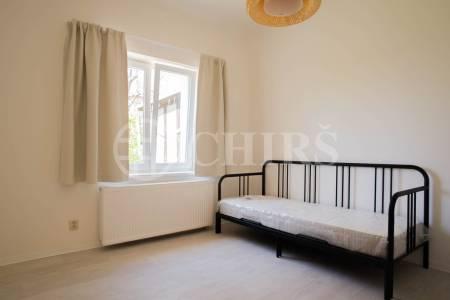 Pronájem bytu 3+kk s garáží zdarma, 79m2, OV, Branická 904/157, Praha 4