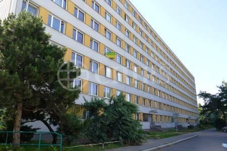 Pronájem bytu 3+1/L, OV, 68m2, ul. Panuškova 1287/1, Praha 4
