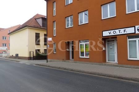 Pronájem přízemního bytu 1+kk, OV, 31 m2, ul. Komenského 28, Šestajovice