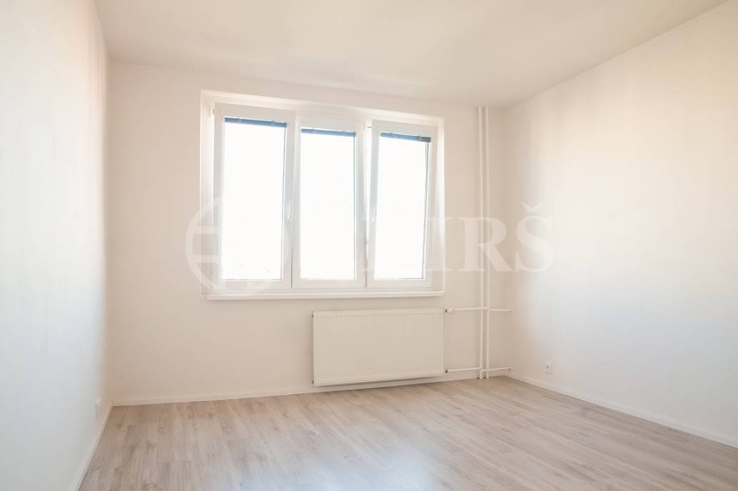 Prodej bytu 2+1/L, DV, 55m2, ul. Cílkova 666/5, Praha 4 Kamýk