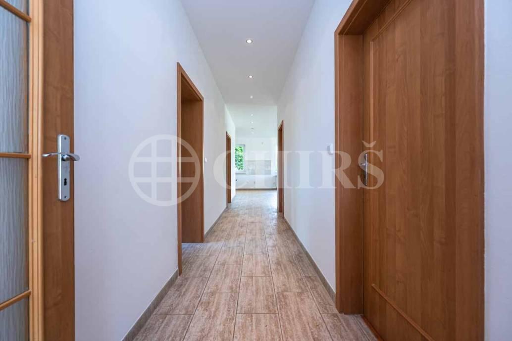 Prodej RD 6kk, OV 250m2, Čísovice 239