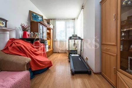 Prodej bytu 3+kk s lodžií, OV, 82m2, ul. Voskovcova 1130/30, Praha 5 - Hlubočepy