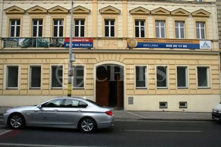 Prodej komerčního objektu, OV, 120m2, ul. Plzeňská 782/112, Praha 5 - Smíchov