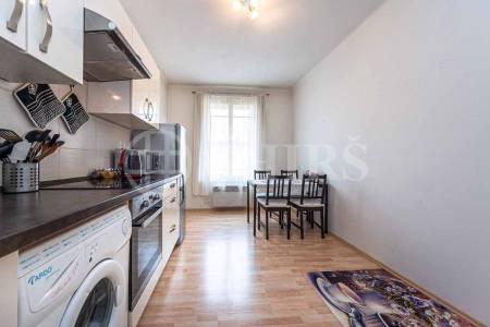 Pronájem bytu 1+1, OV, 37m2, ul. Strančická 1333/31, Praha 10 – Strašnice