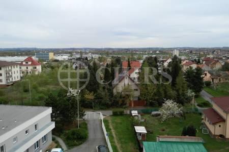 Prodej bytu 3+1/L, OV, 77m2, ul. K Lukám 647/8, P-4  Libuš