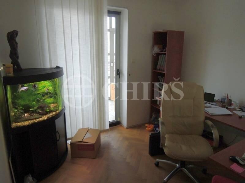 Pronájem kanceláří s možností bydlení, P6 - Břevnov, ul. Bělohorská