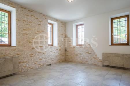 Prodej bytu 5+1, OV, 120m2 + 50m2 předzahrádka, ul. Pražská 1507/7B, P-10 Hostivař