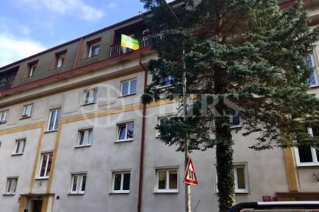 Prodej bytu 4+kk s dvěma lodžiemi, DV, 105 m2, ul. Na Vlčovce 1957/3, Praha 6 - Dejvice