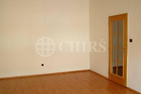 Pronájem nezařízeného bytu 3+1, 91 m2, Praha 6 - Břevnov, ul. Bělohorská