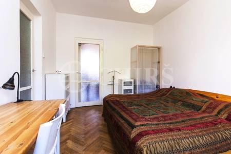 Pronájem zařízeného bytu 2+1 s lodžií, ul. Africká, P6 - Vokovice