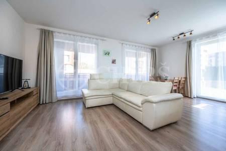 Pronájem bytu 2+kk s lodžií, OV, 63m2, ul. Toufarova 2954/5, Praha 5 - Stodůlky