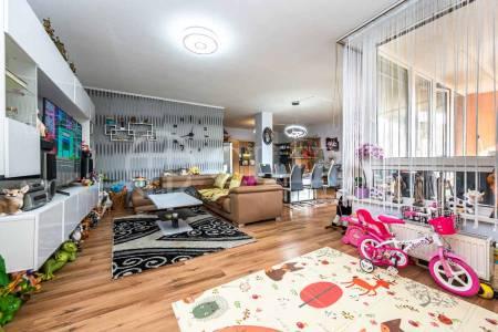 Prodej bytu 3+kk s lodžií, OV, 110m2, ul. Voskovcova 1130/34, Praha 5 - Hlubočepy