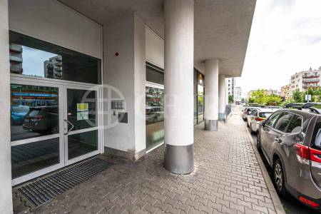 Prodej bytu 1+kk s balkonem, OV, 44m2, ul. Petržílkova 2583/15, Praha 5 - Stodůlky