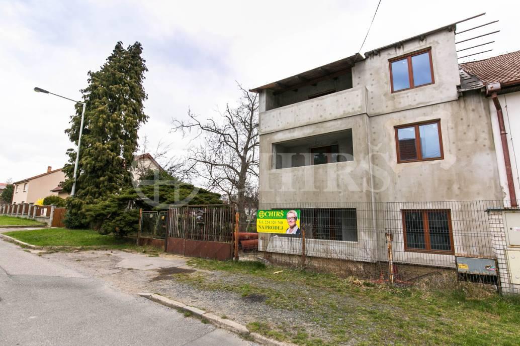 Prodej komerčního objektu, OV, 315m2, ul. Jasenná 1213/7, Praha 20 - Horní Počernice