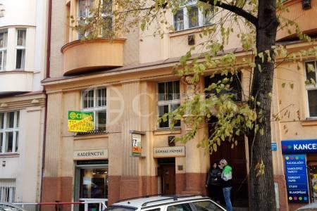 Prodej bytu 2+kk, OV, 52m2, ul. V.P. Čkalova 449/10, Praha 6 - Bubeneč