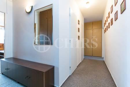 Prodej bytu 3+1 s lodžií, OV, 70m2, ul. Borovanského 2218/7, Praha 5 - Velká Ohrada