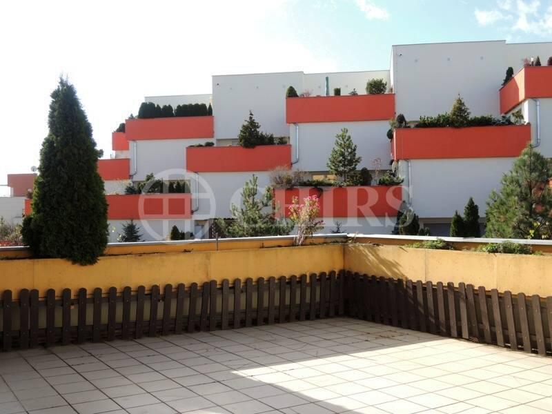 Pronájem luxusního bytu 4+kk/T/G, ostraha, Klausova ulice Praha 13