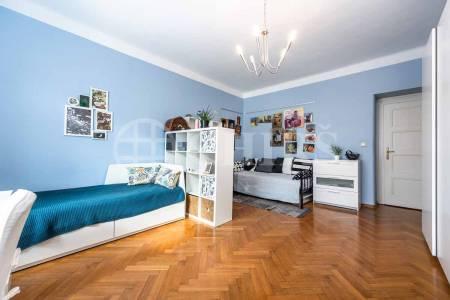 Prodej bytu 4+1 s balkonem, OV, 134m2, Jugoslávských partyzánů 679/16, Praha 6 - Bubeneč