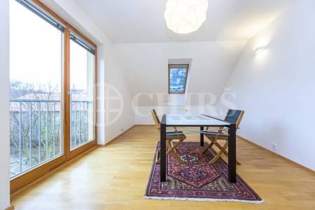 Prodej bytu 4+kk se dvěma balkony a garážovým stáním, OV, 154m2, ul. Hlubočepská 1113/3b, Praha 5 - Hlubočepy