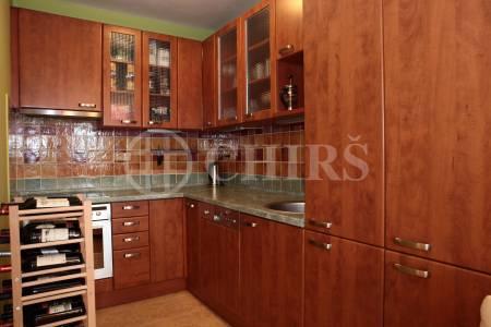 Prodej bytu 2+kk/B/gar. stání, OV, 77m2, ul. Dalmatská 1742, Praha - Úvaly