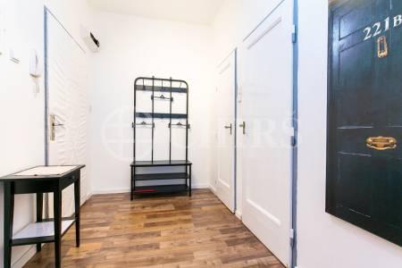 Prodej bytu 2+kk s balkonem, OV, 44m2, ul. Na Slupi 1485/10, Praha 2 - Nové Město