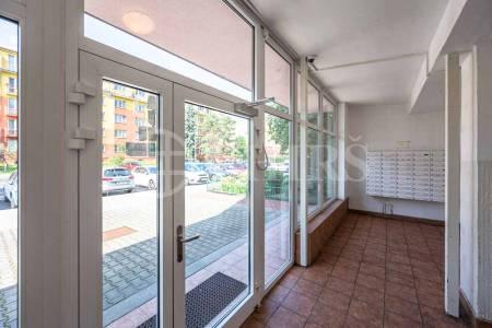 Pronájem bytu 1+kk, OV, 25m2, ul. Jabloňová 2881/98, Praha 10 - Záběhlice
